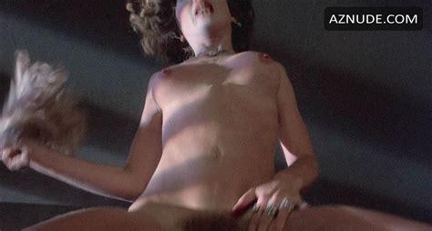 Karina Fallenstein  nackt
